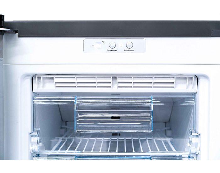 ChiQ CSF185W 185L White Upright Freezer Control Panel