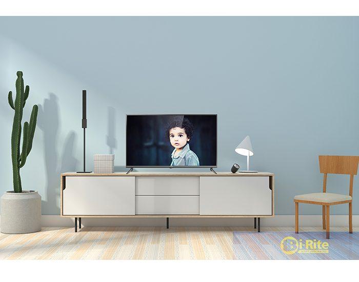 Chiq 40 Inch FHD LED TV Lifestyle