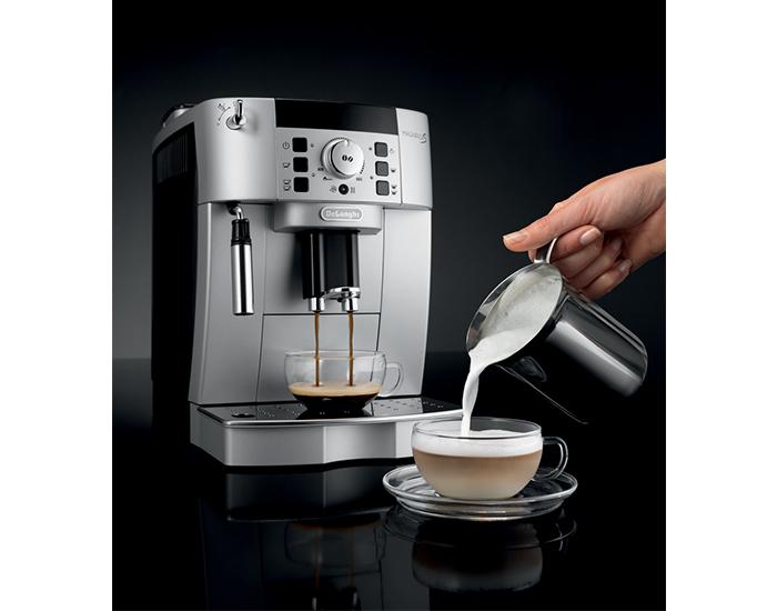 Delonghi ECAM22110SB Fully Automatic Magnifica S Coffee Machine 6