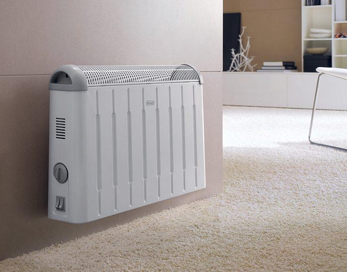 Delonghi HCM2030 2000W Portable Convection Heater Lifestyle
