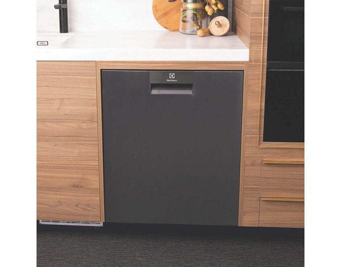 Electrolux 60cm Built-Under Dishwasher with Comfort Lift ESF8735RKX Lifestyle