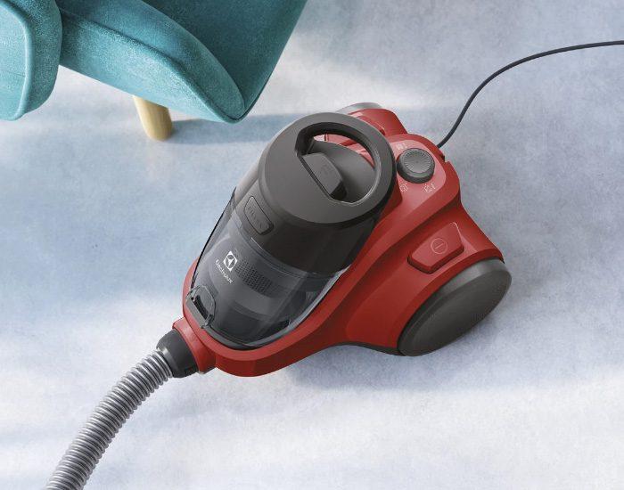 Electrolux EC414ANIM C4 Animal Bagless Vacuum Cleaner Lifestyle