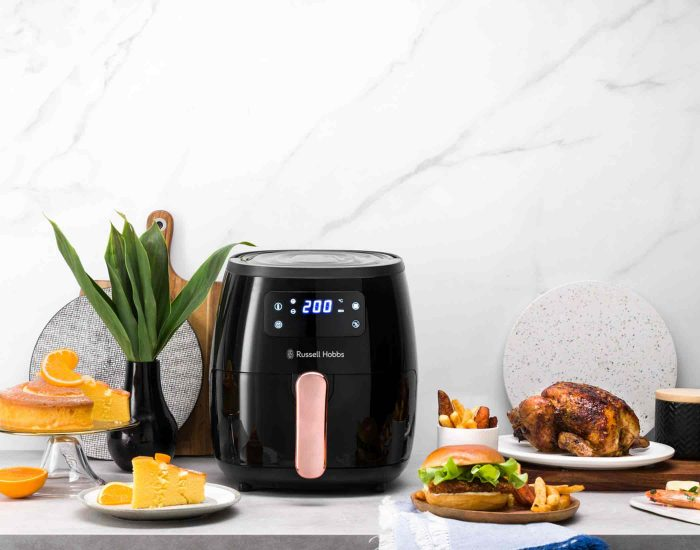Russell Hobbs RHAF5COP 5L Brooklyn Digital Air Fryer Black Copper Lifestyle 3